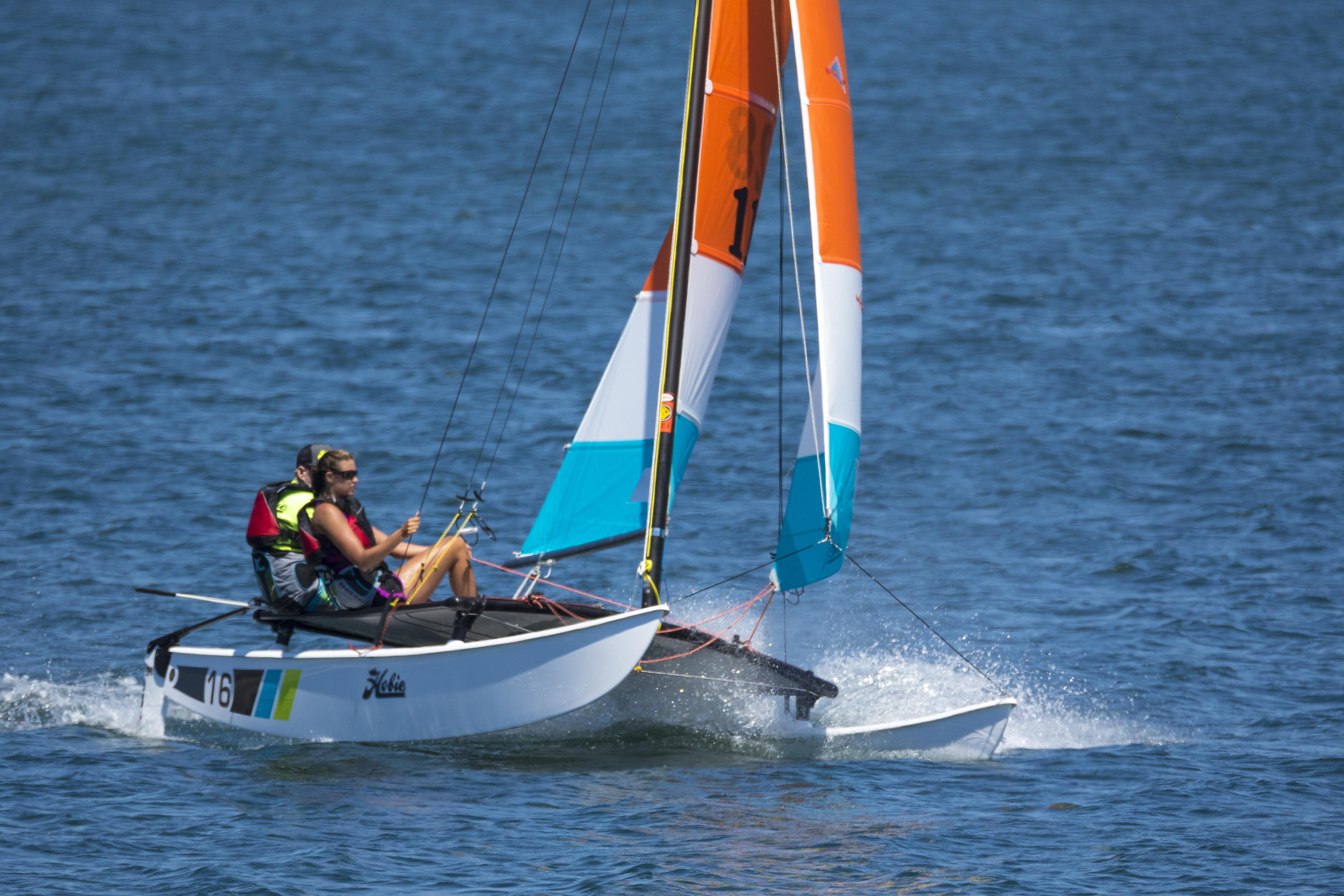 Louer un catamaran Hobie Cat 16 pour une sortie sportive en baie de Lancieux