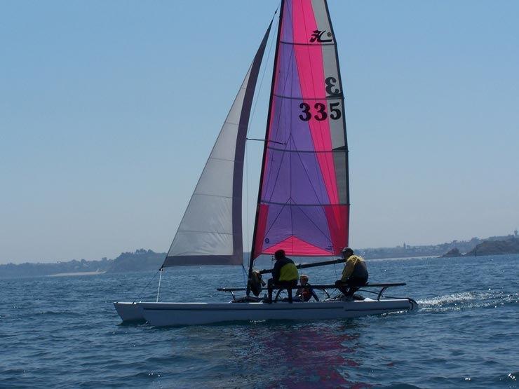 Louer un catamaran Hobie Cat 21 équipé de banc